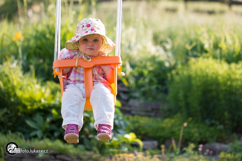 rodinný fotograf valašská polanka zahrada